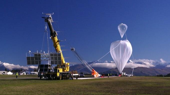 기압이 낮은 상공 20km 성층권에서 이뤄지는 실험에 사용되는 고(高)고도 풍선. 미국 하버드대 연구진은 고고도 풍선 전문 기업인 '월드 뷰 엔터프라이즈(World View Enterprises)'와 협력해 내년부터 미세입자를 성층권에 뿌려 태양 빛을 반사시키는 첫 지구공학 검증실험을 할 계획이다. - 미국항공우주국 제공